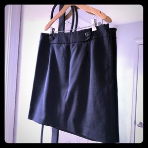 LOFT black side zip skirt